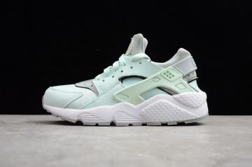 Nike Air Huarache Igloo Womens Exclusive Colorway Light Green 634835-303 edba3ba76fc4