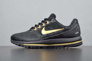 b3c3f264a00 Nike Air Zoom Vomero 13 Black Gold Sneakers 922908-009