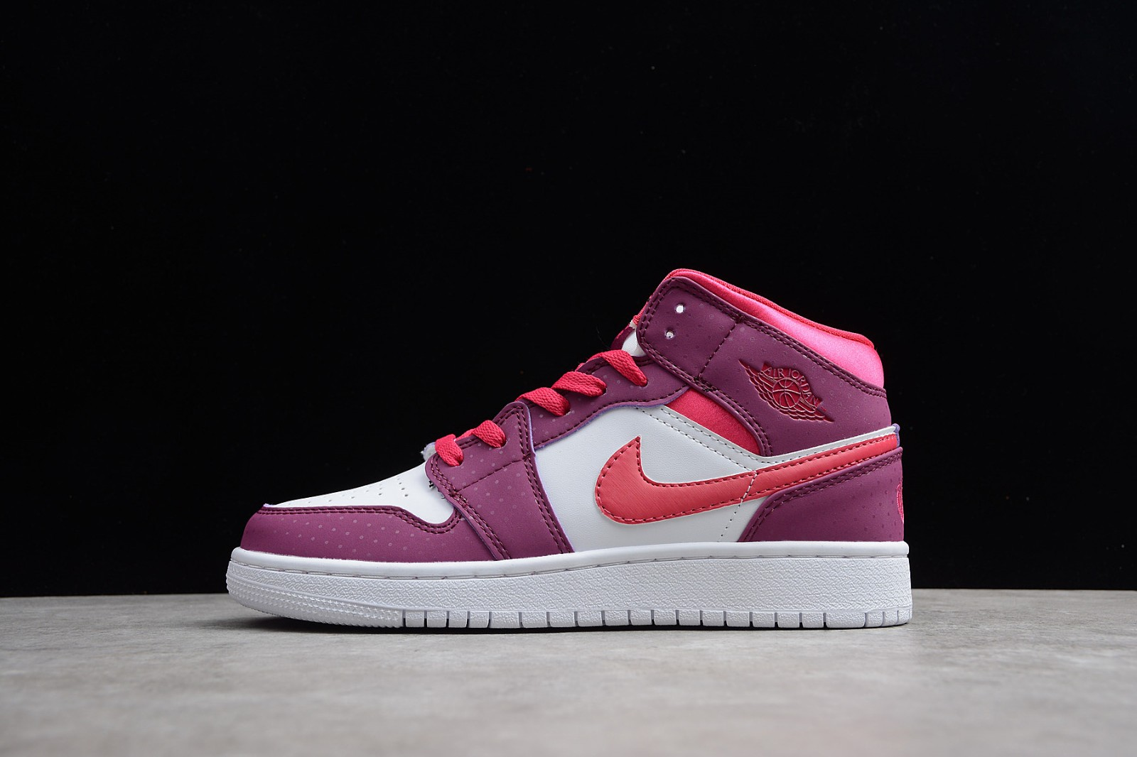 1a821d074713 Nike Air Jordan 1 Mid GS True Berry Rush Pink 555112-661 - Sepsport