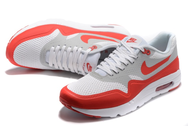 Nike Men's Air Max 1 Ultra Essential Lifestyle Shoe 819476