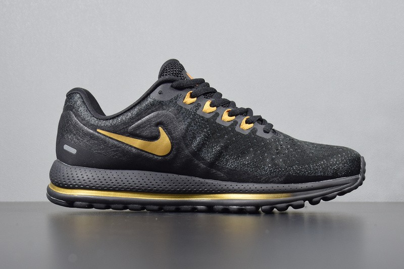 best loved 89968 35e57 Nike Air Zoom Vomero 13 Black Gold Sneakers 922908-009