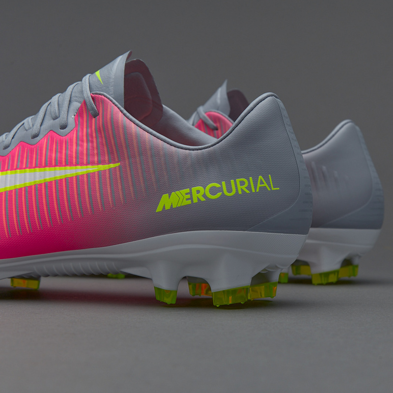 ab9bb3ee6db1 ... NIke Mercurial Superfly V FG low The 11 generation of Assassins pink  black football shoes ...